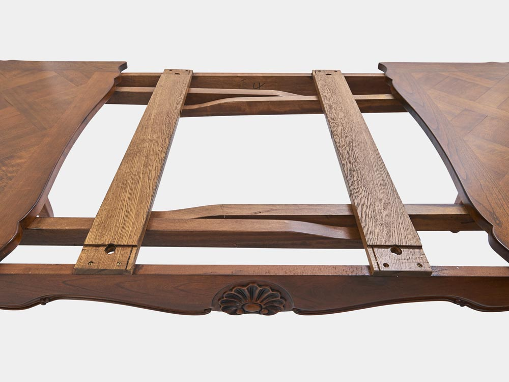 French Accent French Louis XV style extension dining table walnut extenion detail