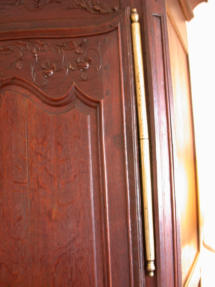 antique-french-provincial-normandy-style-armoire-oak-detail5