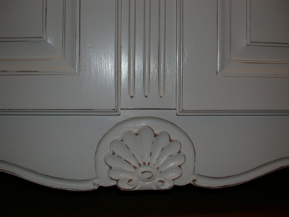 french-provincial-louis-xv-style-2door-hutch-white-bottom