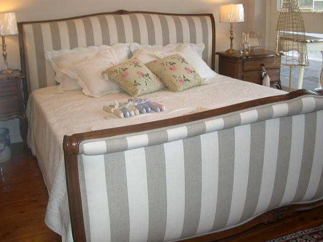 french-provincial-louis-xv-style-sleigh-bed-walnut-stripe-detail4