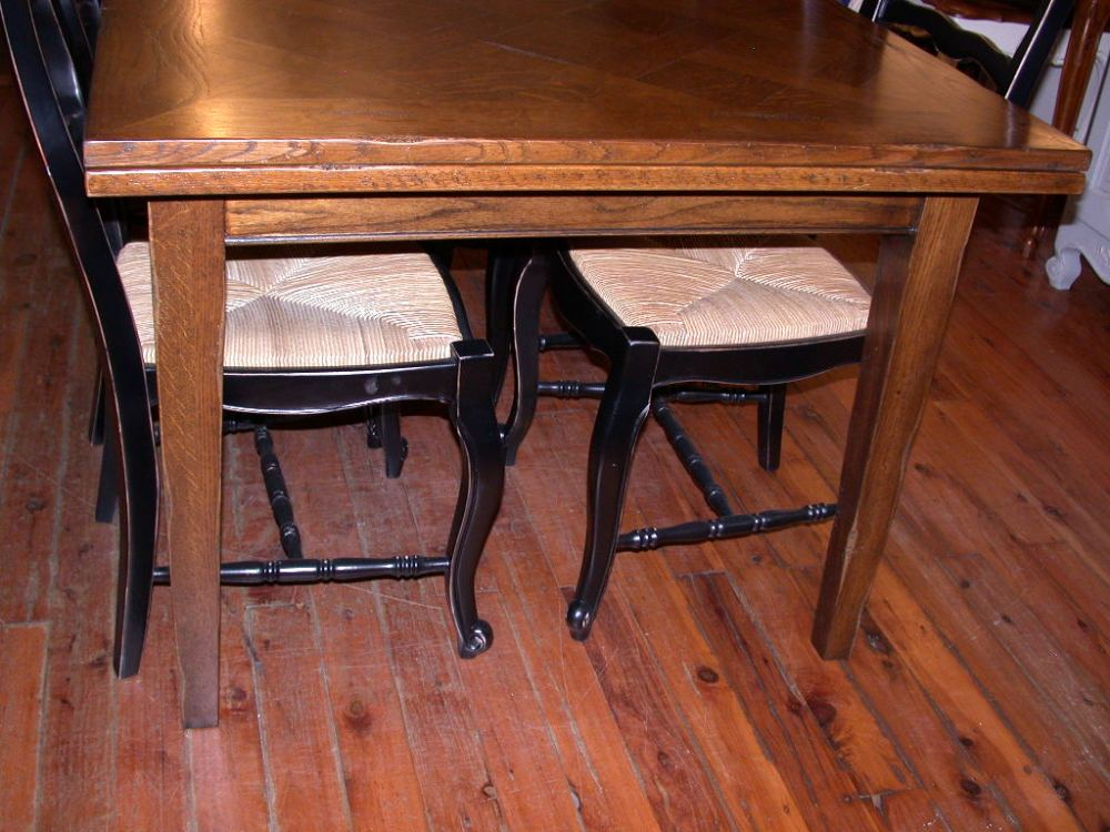 french-provincial-style-extension-dining-table-oak-distressed-side
