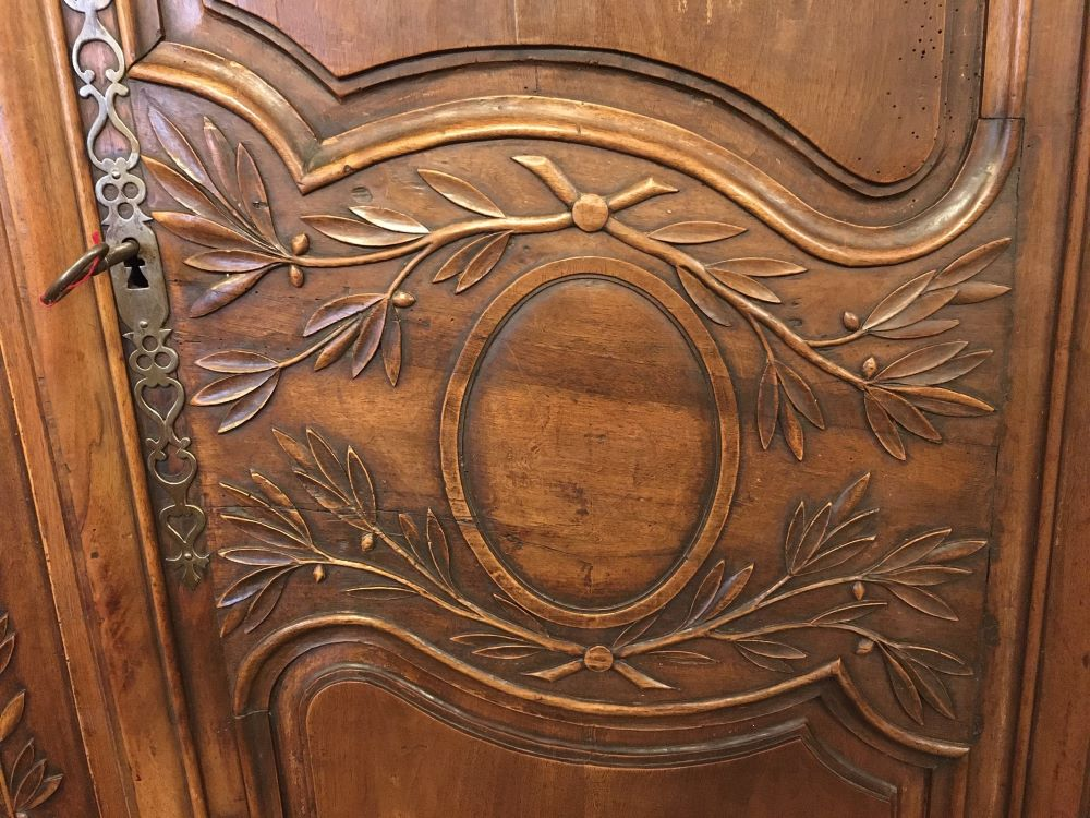 antique-french-armoire-with-crystals1-11