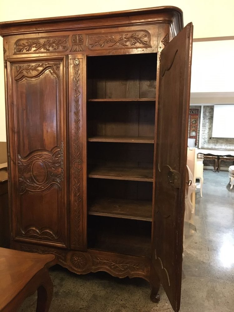 antique-french-armoire-with-crystals1-14