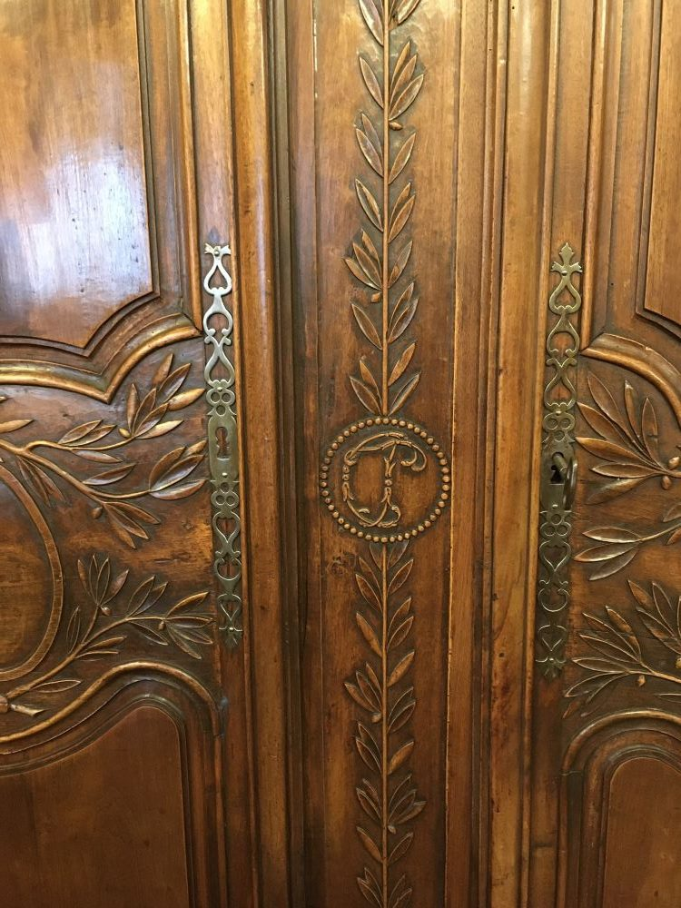 antique-french-armoire-with-crystals1-15