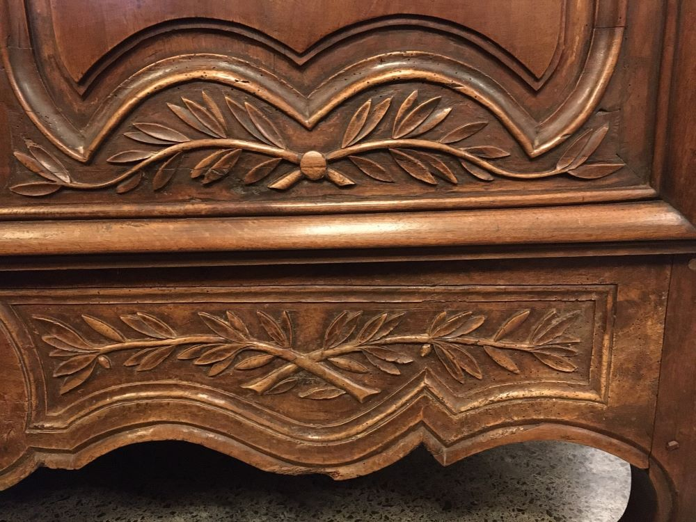 antique-french-armoire-with-crystals1-16