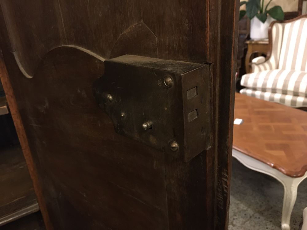 antique-french-armoire-with-crystals1-18